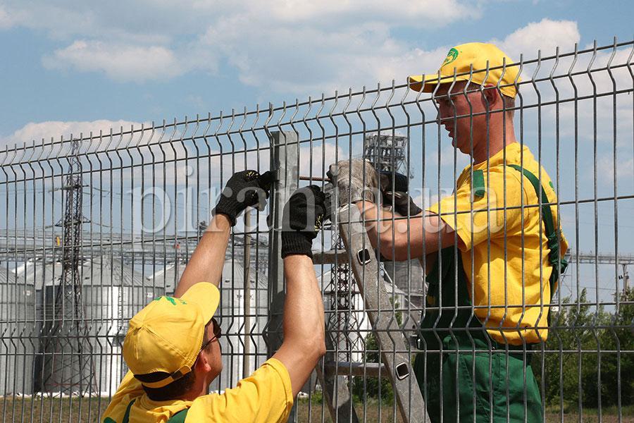 Installation of fences